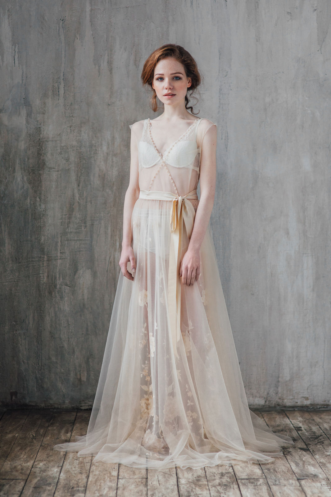 Vesssna-Wedding-ss2016-Buduarnoe-plate-Golden-Flowers-1.jpg