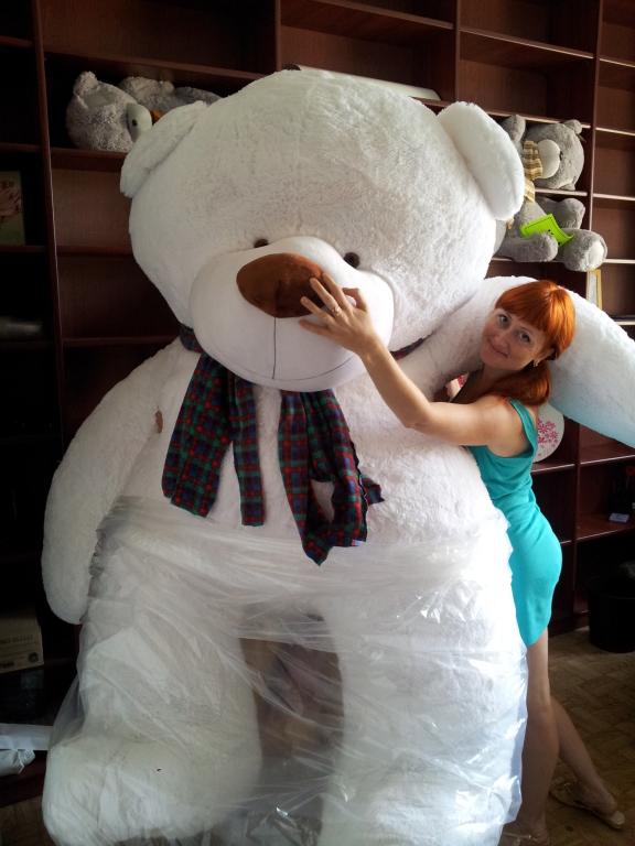 чём его самый большой плюшевый медведь в мире фото заказ размерам