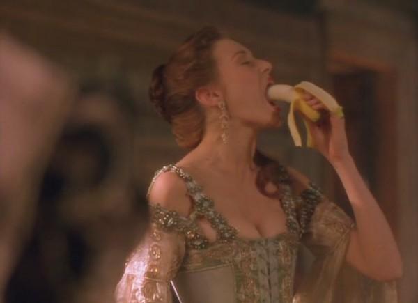 эротические кадры из фильма благочестивая куртизанка